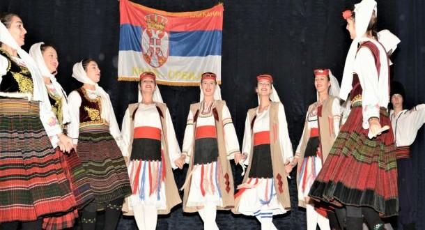 Folklorci u posjeti Kniću