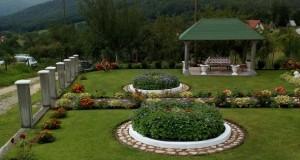 Naljepše dvorište i terasa u Rudom