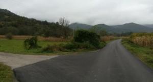 Асфалтиране дионице путева у мјесним заједницама Старо Рудо и Стргачина