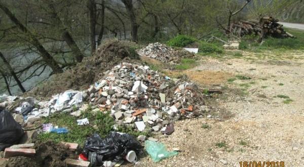 Дивље депоније због несавјесних грађана