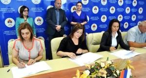 Potpisani ugovori o sufinansiranju projekata sedam opština